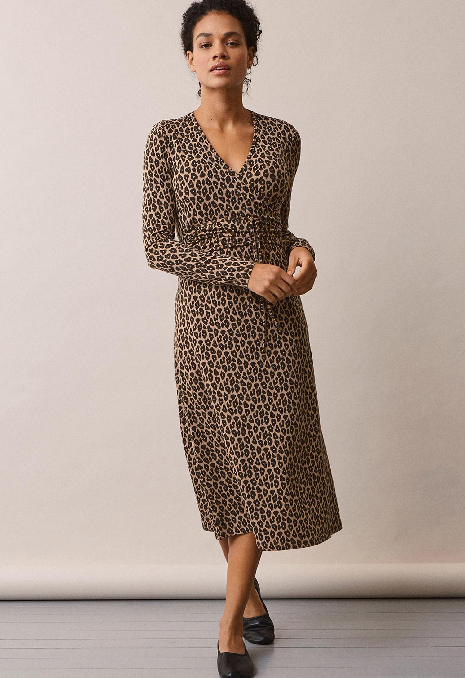 Leo omlott-klänning